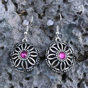 Round silver/pink earrings